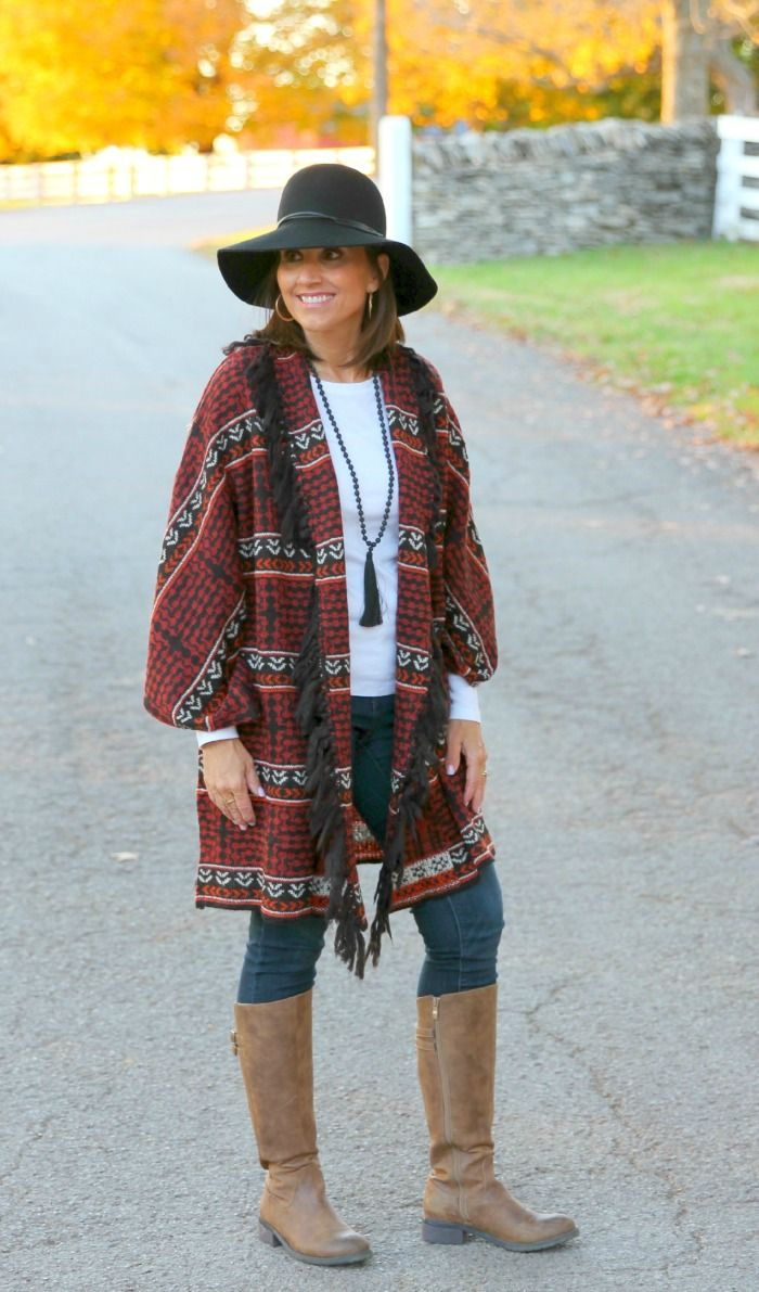 Styling the floppy hat trend for women over 40. f23b5a935fd