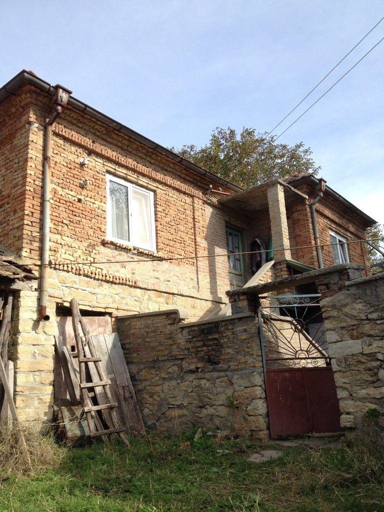 На близко и на тихо, па и горско и не далече от море. Това е за тебе ... Reltor Varna For Sale House in Village Avren