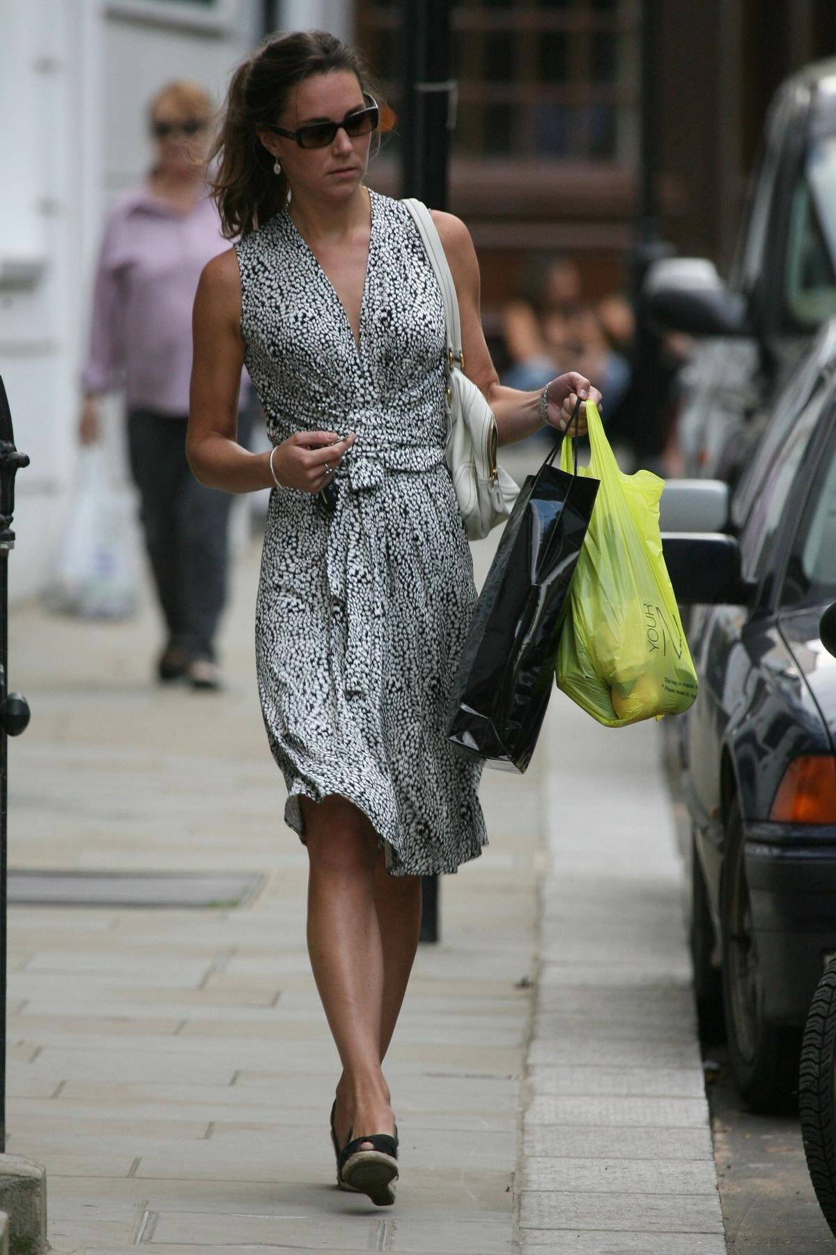 Breaking Kate Middleton Shopped Without Makeup On Kate