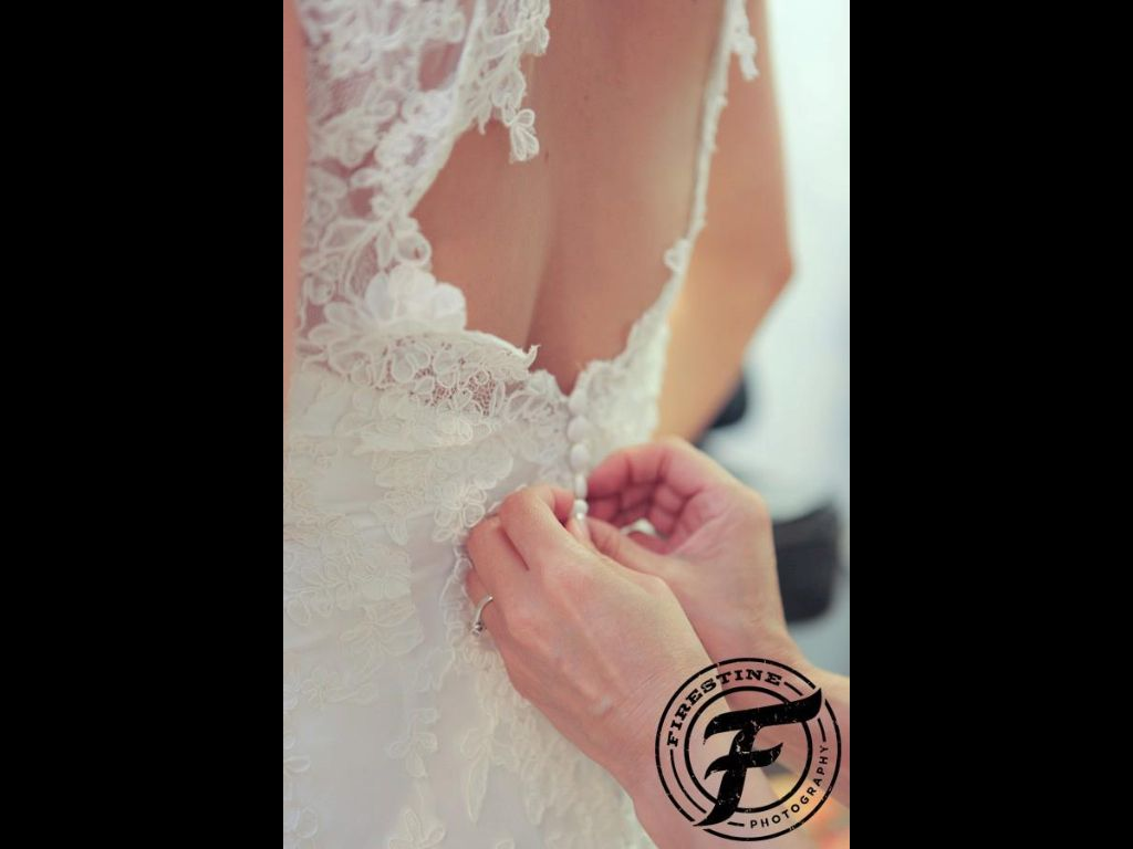Wedding photography | southern wedding | bridal gown | lace | mother of the bride | wedding | Firestine Photography