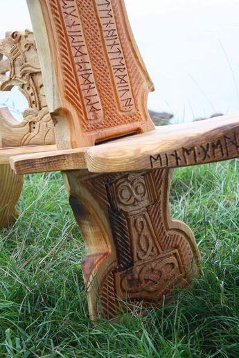 Moebel Wikinger viking carving wikinger schnitzerei und möbel viking patterns
