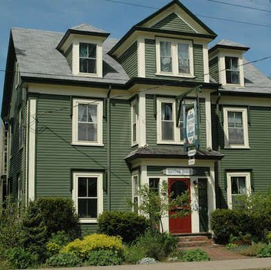 12 exterior paint colors to help sell your house - Green exterior paint color schemes ...