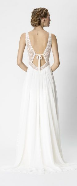 f19d85a4f30 gefunden bei Happy Brautmoden Brautkleid elegant