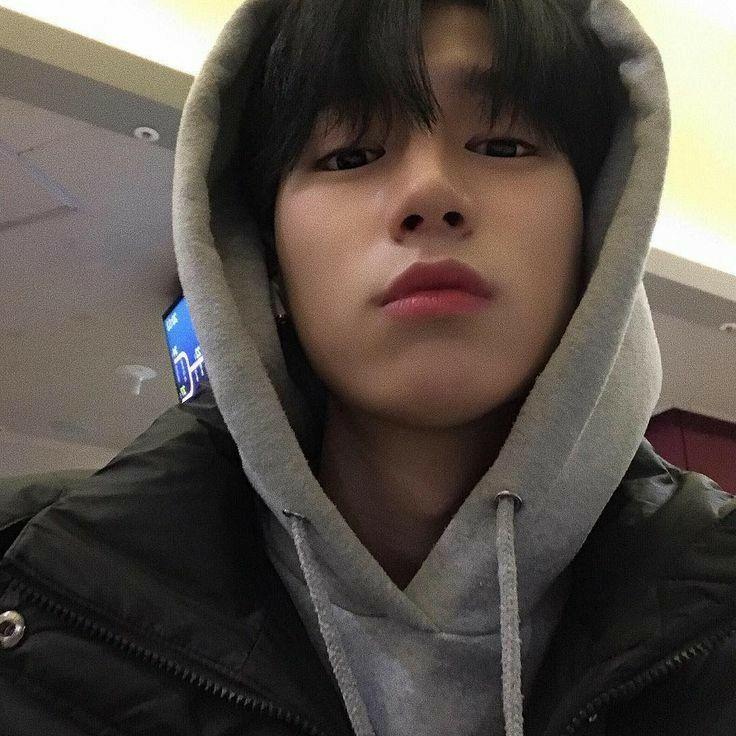 𝘀𝗵𝗲𝗿𝗿𝘆 in 2020   Cute korean boys, Short hair for boys