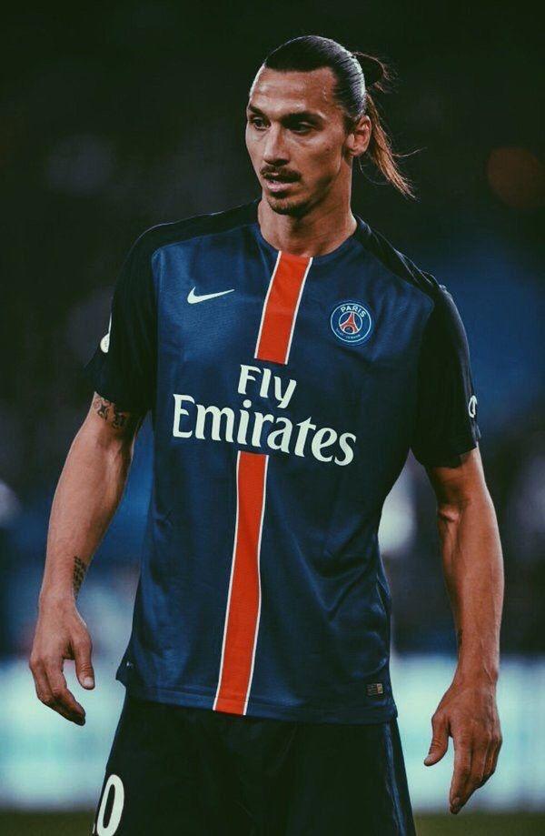 Zlatan Ibrahimovic Tumblr Zlatan Ibrahimovic Ronaldo Football Football Highlight