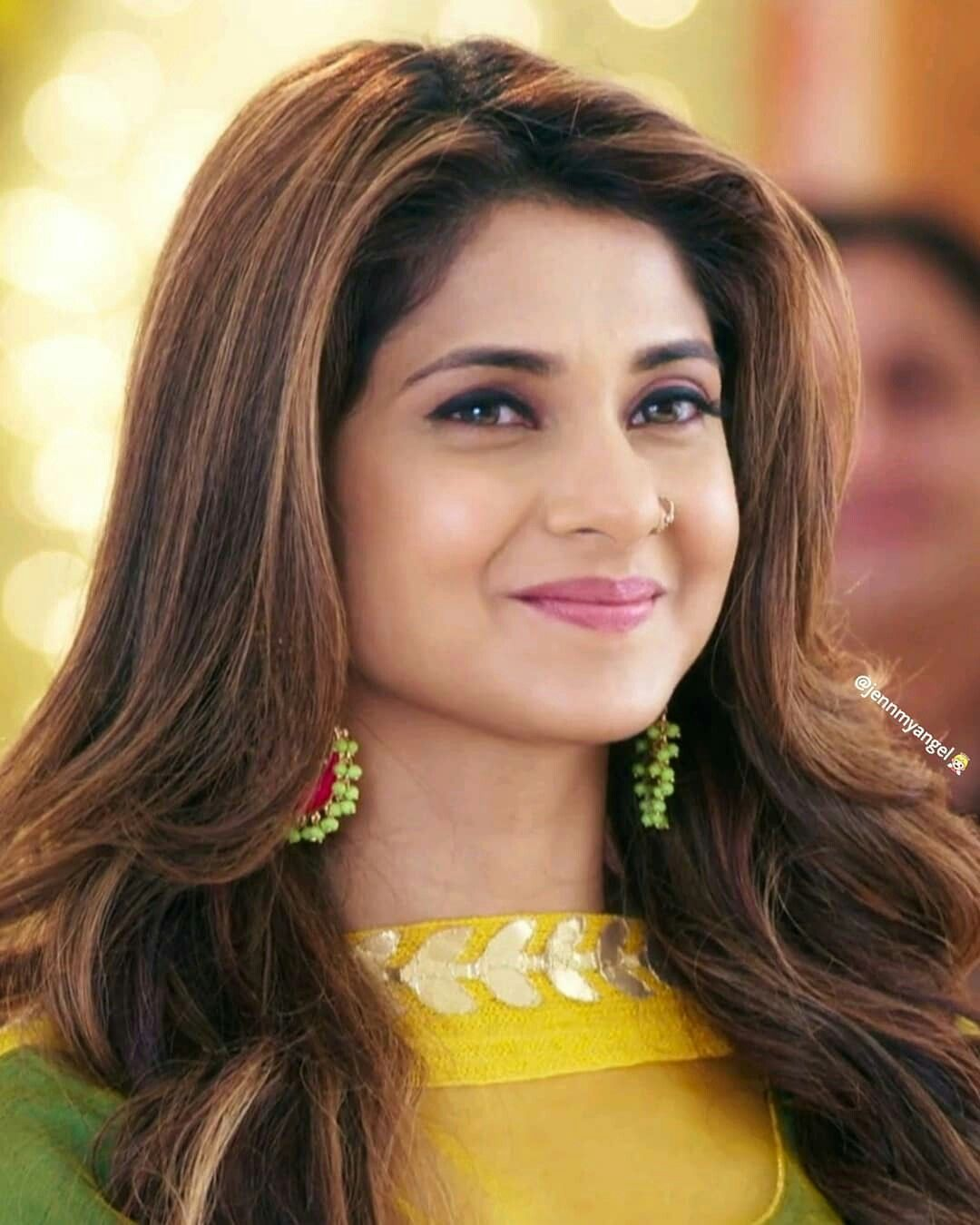 Jennifer Winget As Zoya Follow Me For More Pictures Like This Jennifer Winget Jennifer Winget Beyhadh Beauty