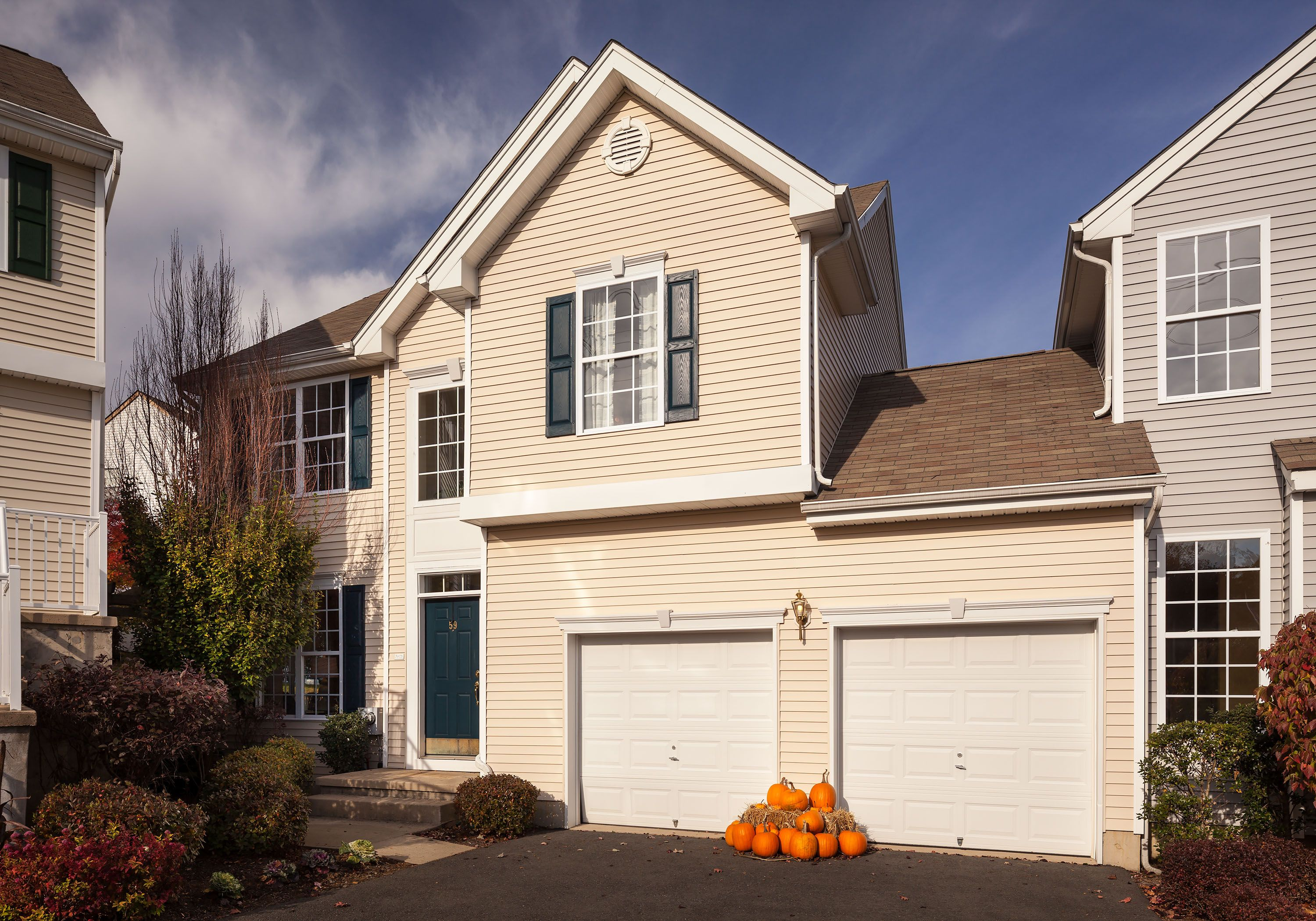 Loving this fall curb appeal! #DRHorton #home