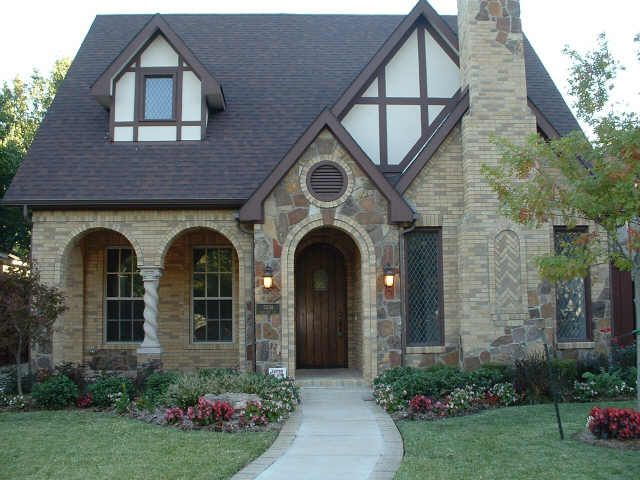 I Want To Have That House And Live In Forever Small Cute Cozy Home Cottage House Exterior Victoria House Cottage House Plans