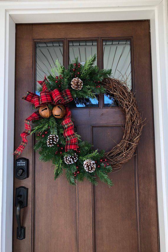 Photo of Weihnachtskranz mit Glocken, Bauernkranz, Feiertagskranz, Haustürkränze, Land-Weihnachten, Kr…