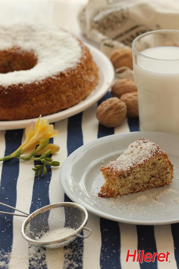 Una opción riquísima para la hora del té: #Budín de coco y nuez. #Receta: http://www.hileret.com.ar/receta.php?id=133#.VHfoedKG9nQ