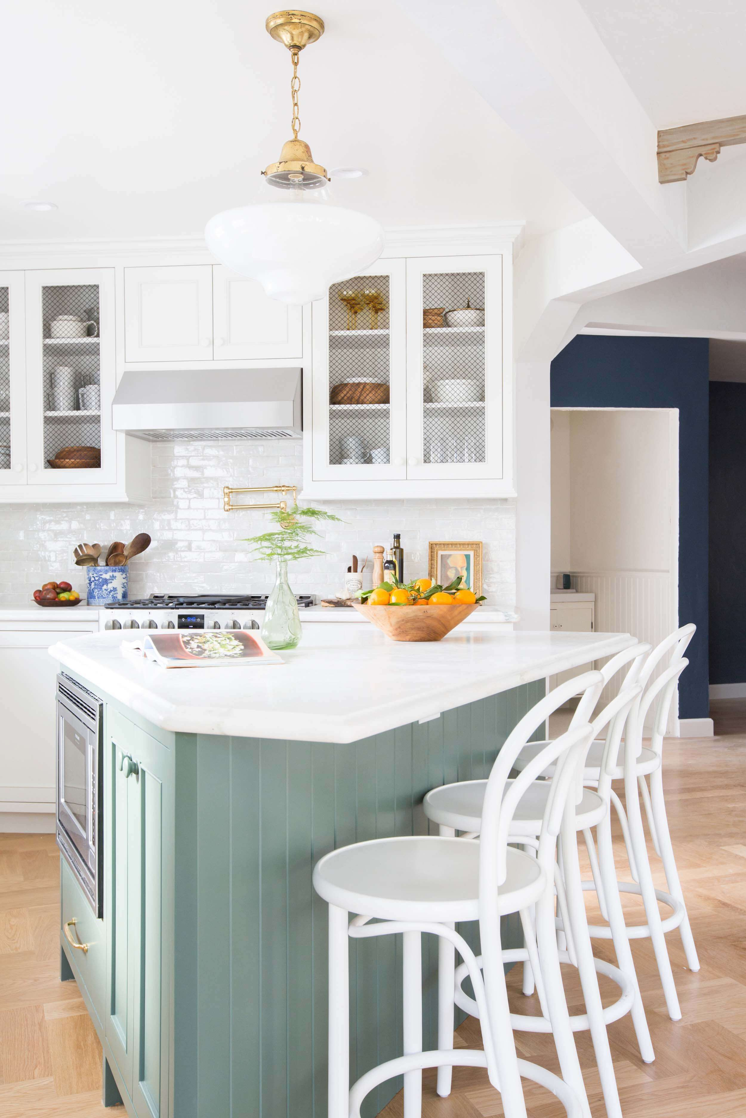 Country Kitchens With White Cabinets Best Kitchen Gallery ...