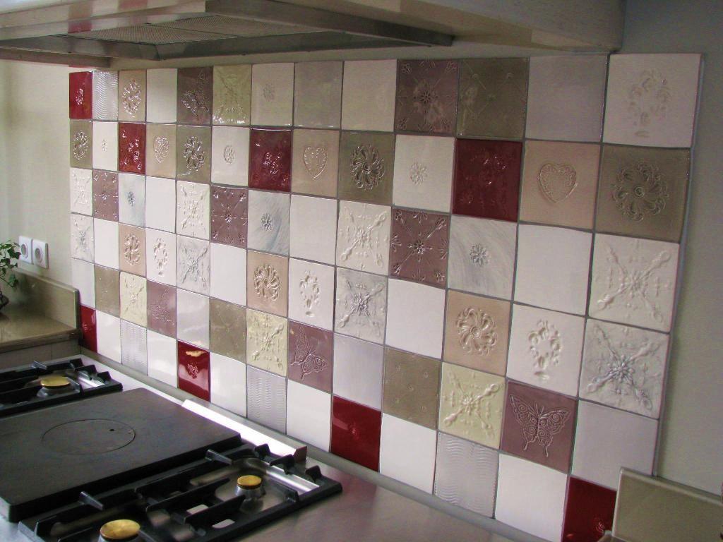 - Carrelage mural rouge pour cuisine ...