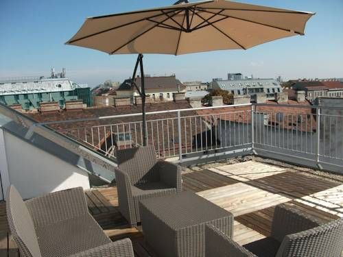 CH - Penthouse Terrassenapartment Wien A 5-minute walk from the Westbahnhof Train Station and the Stadthalle Concert Hall and a 10-minute tram ride from the heart of Vienna, CH - Penthouse Terrassenapartment offers you panoramic views over Vienna from the terrace and free WiFi.