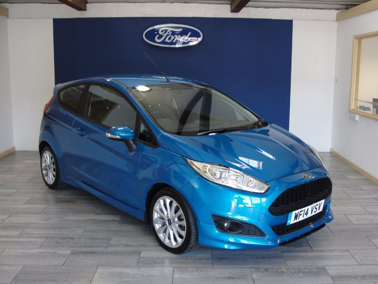 Ford Auto Ford Fiesta Zetec S Red And Black Edition Ford