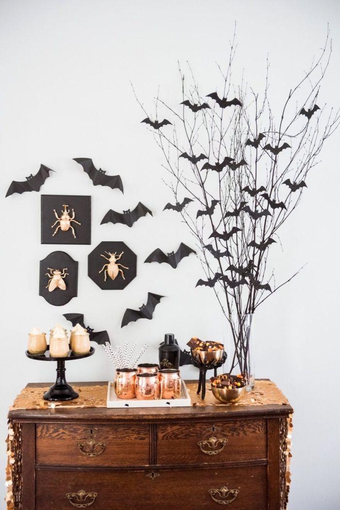 Halloween Deko Selber Machen, Zweige Dekoriert Mit Fledermäusen Aus Papier,  Party Deko, Wanddeko
