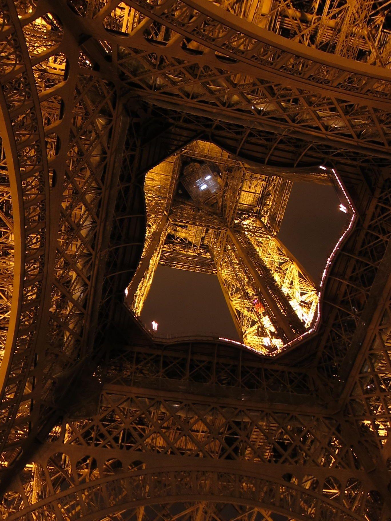 ~~Eiffel Tower, Paris by Hiroshi Nakanishi on 500px