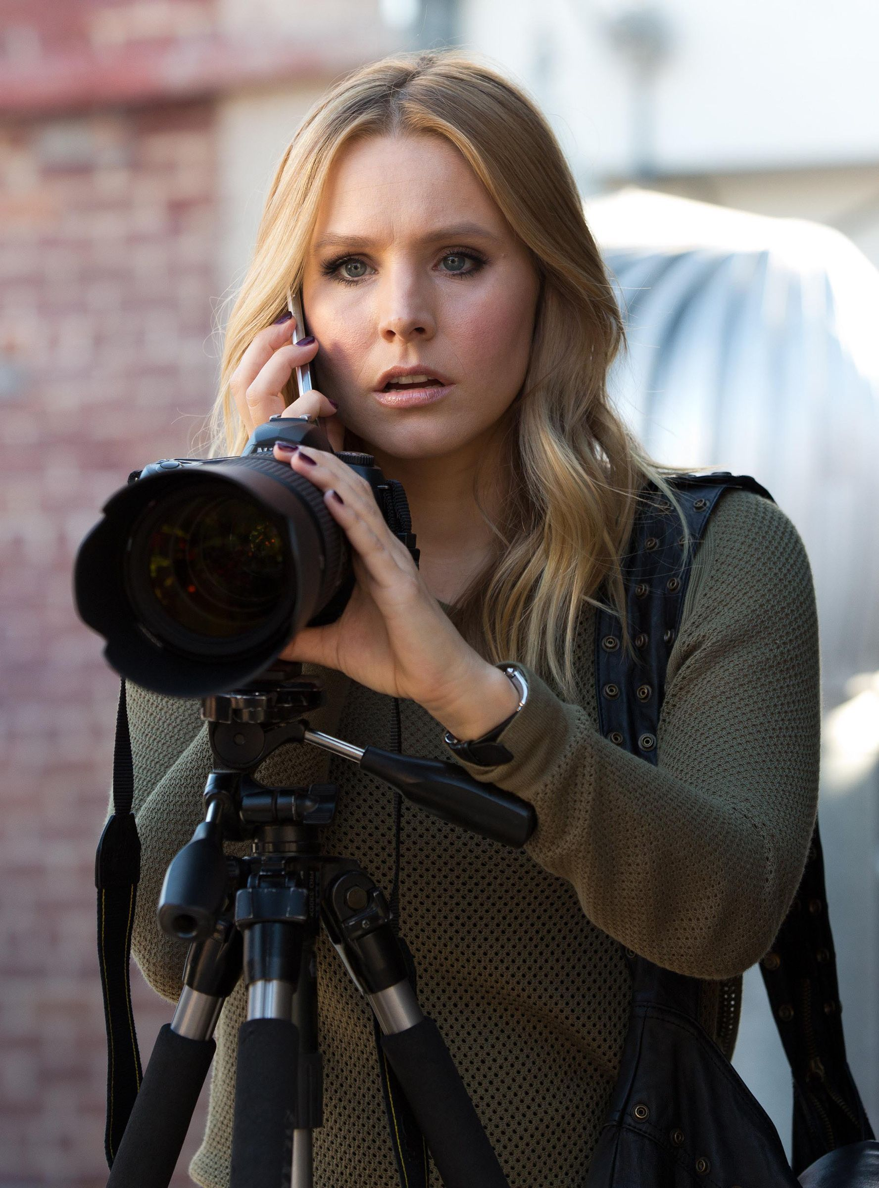 "Kristen Bell Herself Confirms ""Veronica Mars"" Reboot"