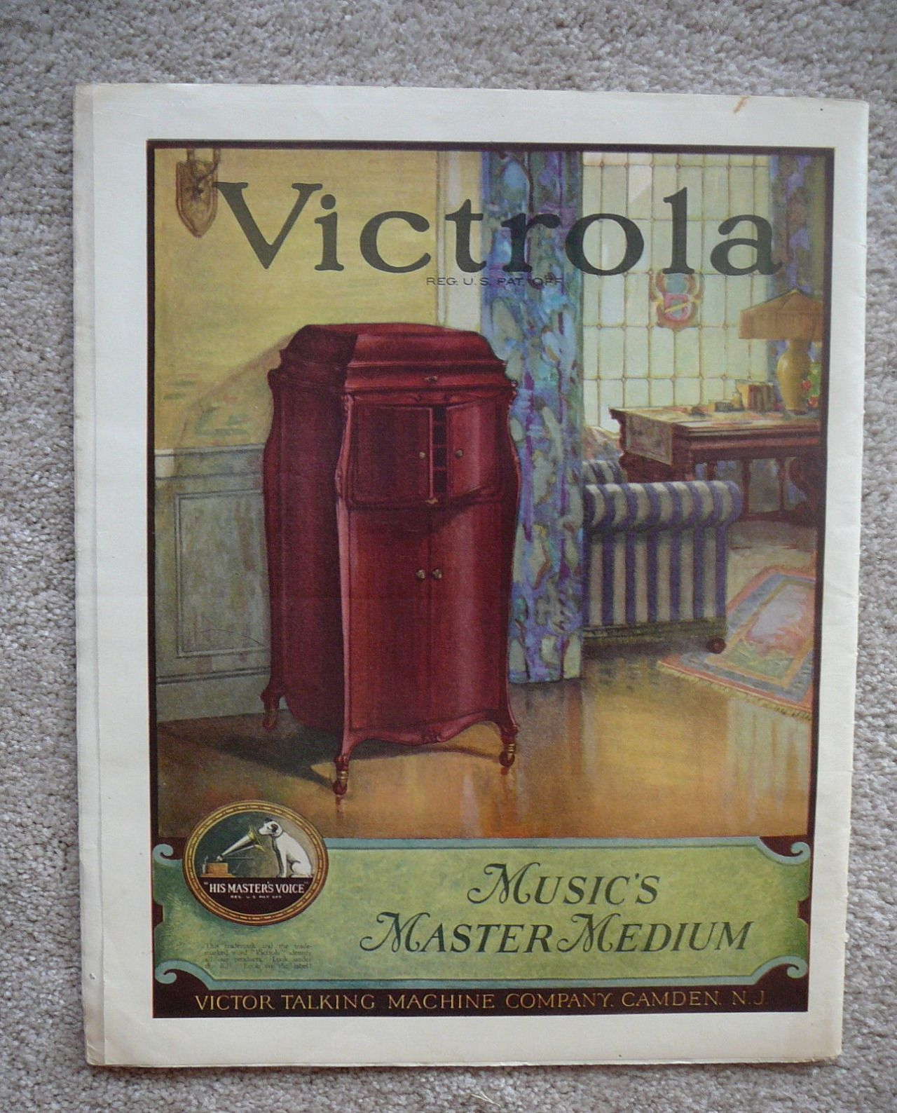 Days Gone By - 1923 Victrola ad