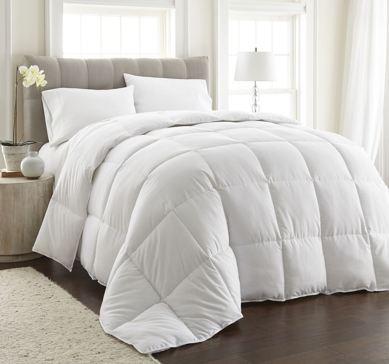 Ultra Medium Light Warmth Down Alternative Comforter W Space Saver Storage Bag Bed Comforters Duvet Comforters White Comforter
