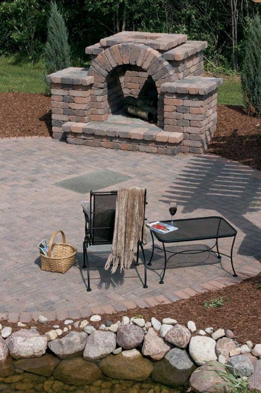 Stone fireplace Gartengrill, Garten