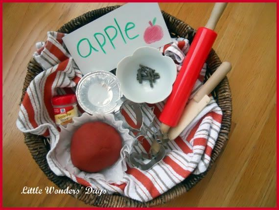 Apple Pie Play Dough Tray