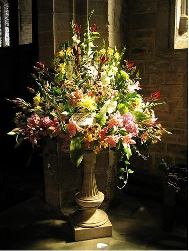 Flower Arranging at Philipstown Garden Club Presentation ... |Large Spring Floral Arrangements