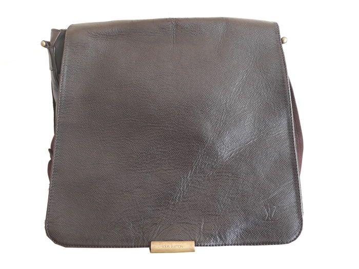 ac27d8a328ef Catawiki online auction house  Louis Vuitton - Bastille Messenger Crossbody  bag