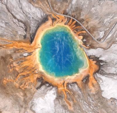 Screenshot of Grand Prismatic Spring in the Yellowstone National ...