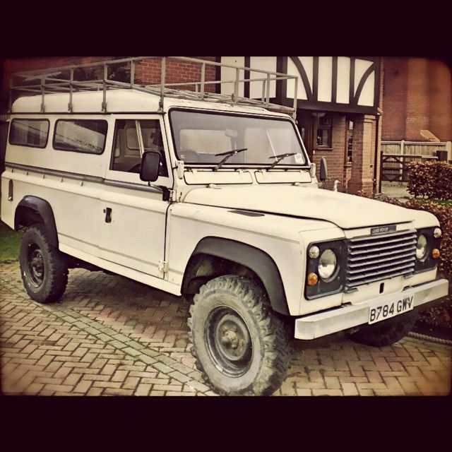 Our new adventure wagon: 1984 Land Rover One Ten.