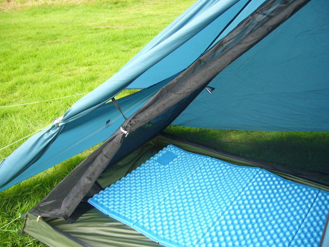 Ultralight Backpacking Tent - Large air vents and plenty of space between inner tent and flysheet & Ultralight Backpacking Tent - Large air vents and plenty of space ...