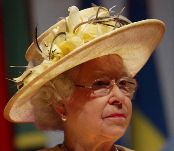 queen elizabeth hats | THE ROYAL FAMILY: Queen Elizabeth II is also the Queen of Hats
