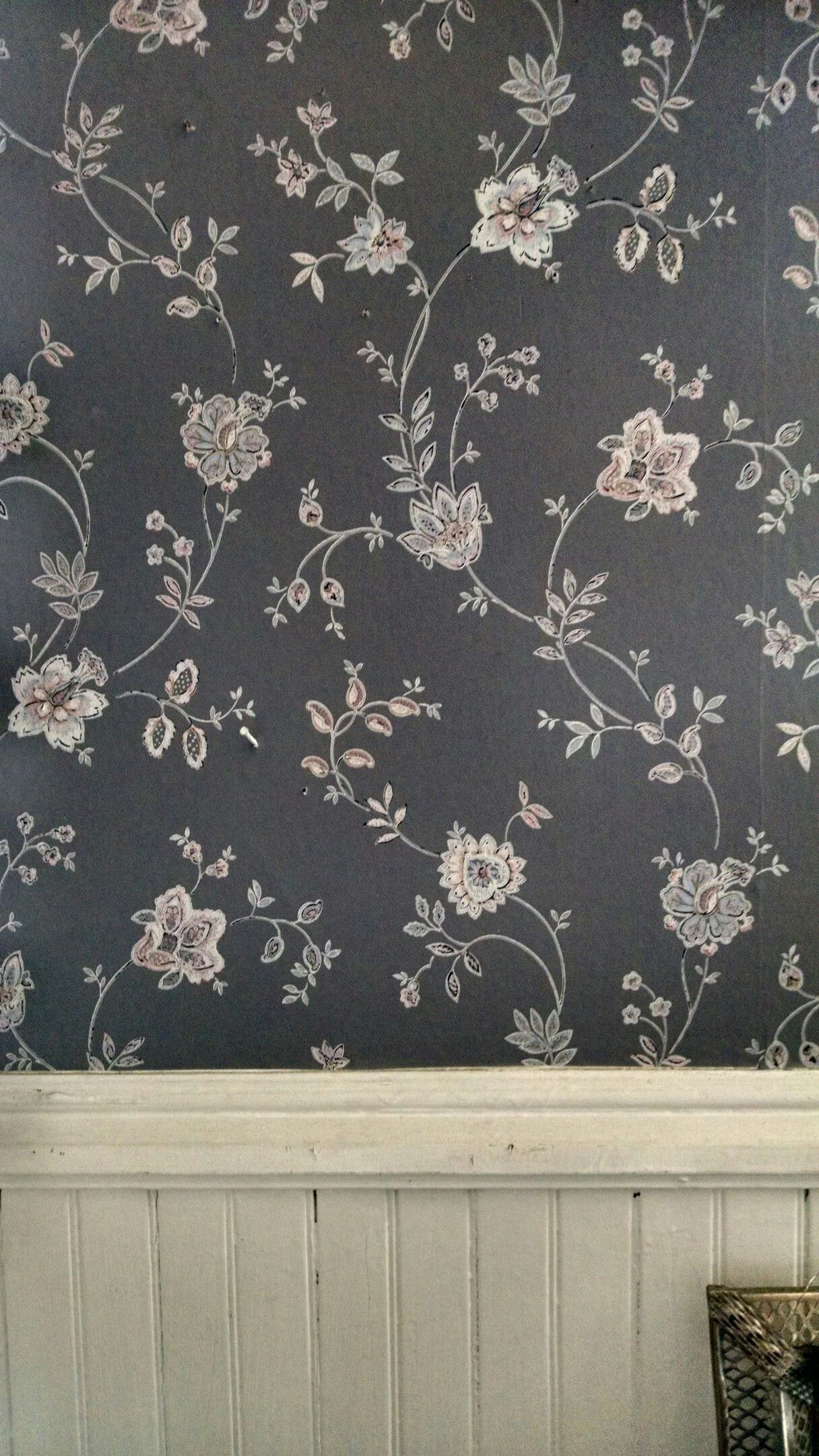 Beautiful Print Made Wallpaper Inside An Antique Store From The