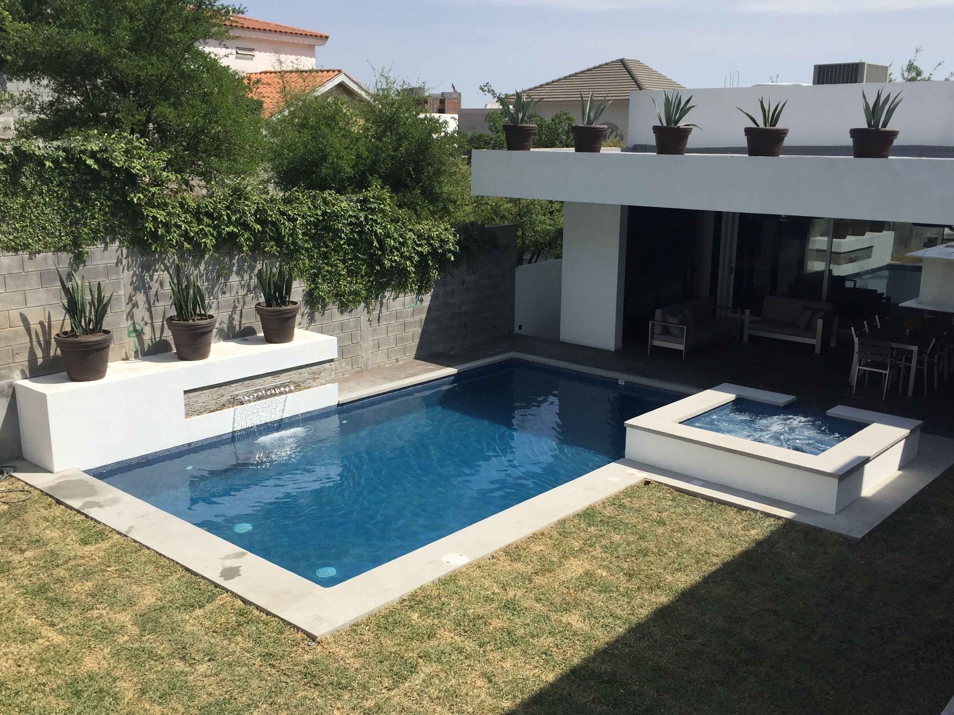 351 arquitectos piscina residencial de x con for Piscinas con jacuzzi incorporado