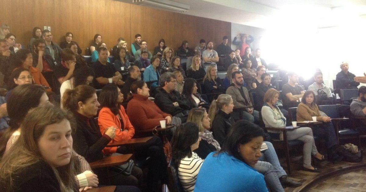 g1: Funcionários de universidades e do Hospital das Clínicas do Paraná entram em greve https://t.co/ECPYZXVzl0 #G1 https://t.co/Uap9Kwt8an