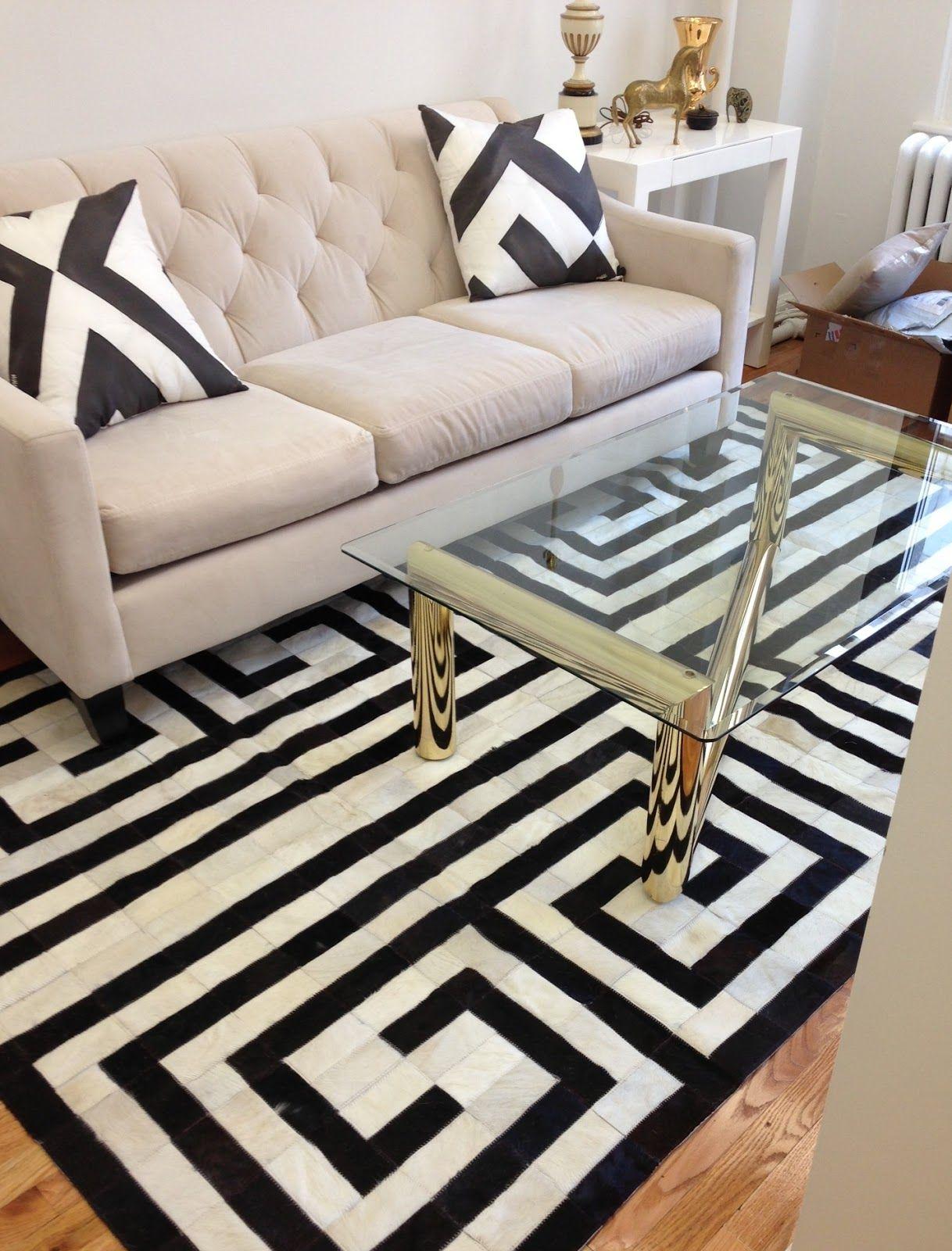 Greek key rug love this want it in my bedroom sooooooooo badly
