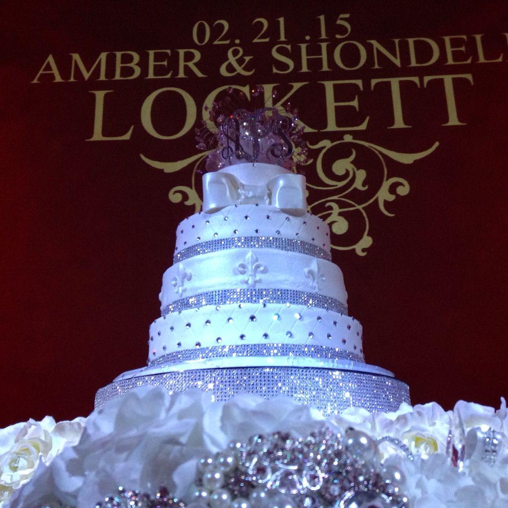 Party Halls Metairie: Gorgeous Wedding Cake, Wedding