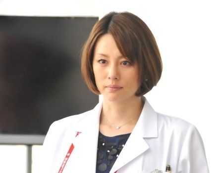 ドクターXで注目を浴び続ける女優の米倉涼子さん彼女は女性からの支持も厚く髪型などは検索キーワードに出てくるほどお手本にされているのをご存知でしょうか。