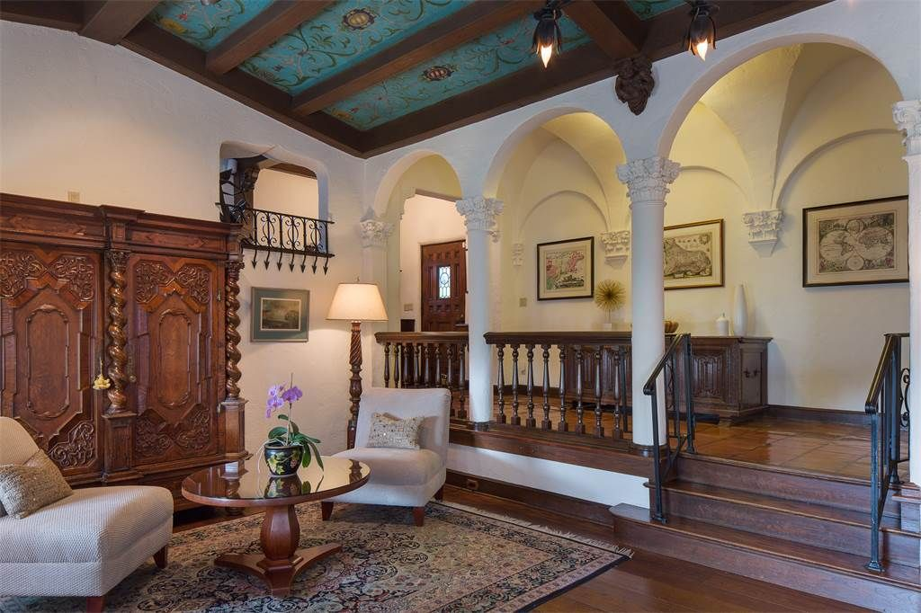 Single Family Home for Sale at 9 Locust Avenue Larchmont, New York,10538 United States