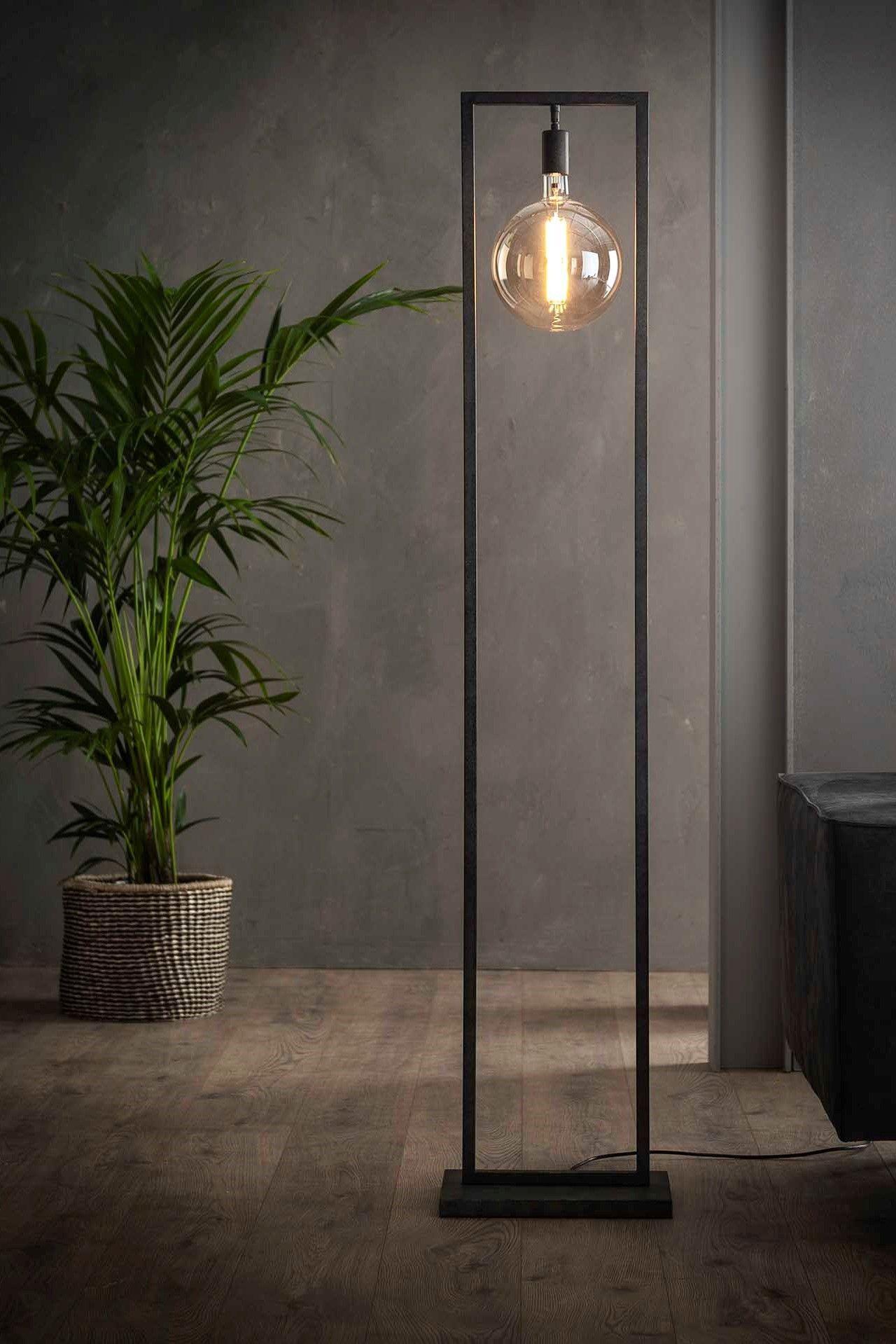 Stehlampe Sky Schreibtisch Lampe Ideen Jeder Schreibtisch Sollte Mit Einem Dekoriert Werden Worum Geht Es In Unserer Li In 2020 Stehlampe Wohnzimmer Stehlampe Lampe