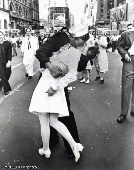 Theres a iconic photo taken on august 1945 by the legendary photographer alfred eisenstadt it is the day world war ii ended and the photo is called the