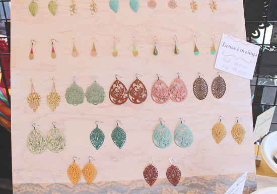 DIY - Jewelry stand via scoutiegirl