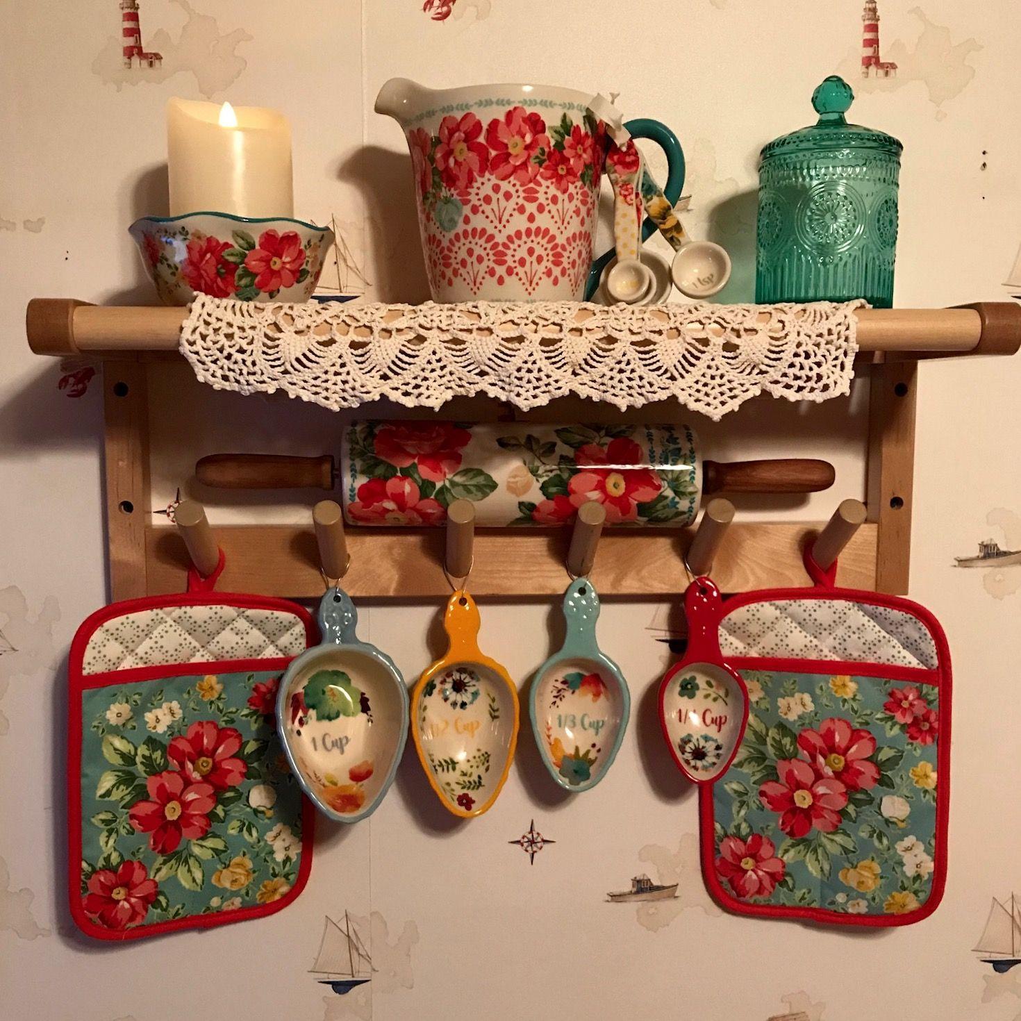 pioneer woman kitchen pioneer woman kitchen pioneer woman kitchen decor on kitchen decor pitchers carafes id=18785