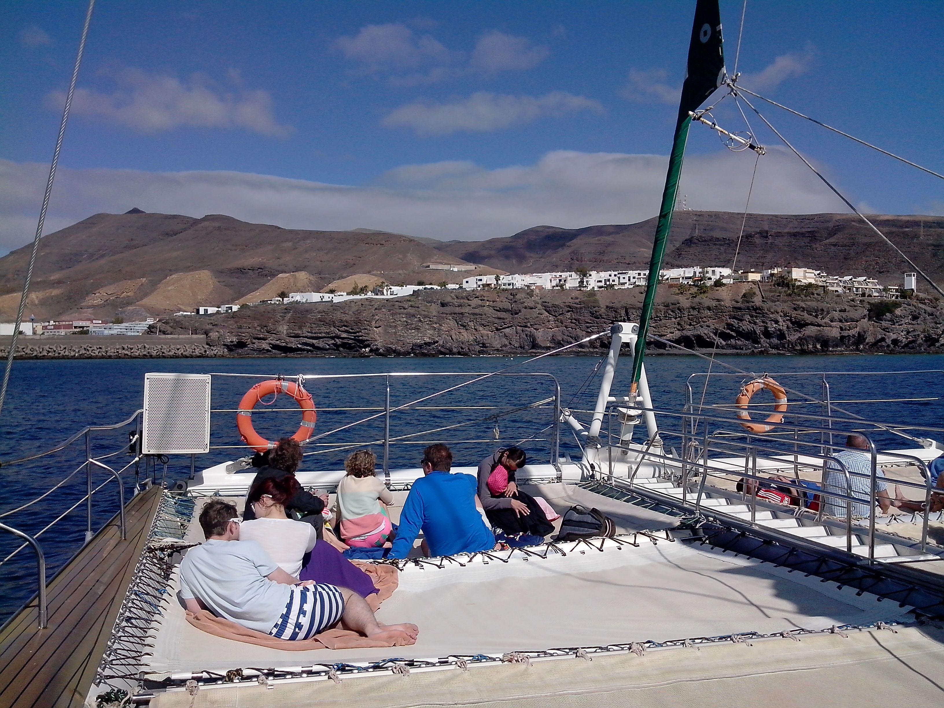 Un catamaran de 20 mètres de long.