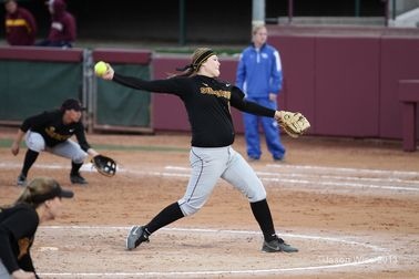 Softball completes perfect weekend; beats Bradley, Boise State
