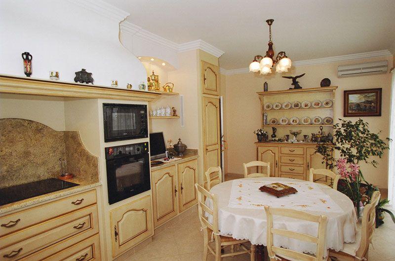 Cuisine proven ale louis xv batie salles de bains for Cuisine provencale