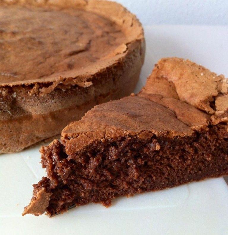 Gâteau au chocolat sans beurre | Gateau chocolat, Chocolat ...