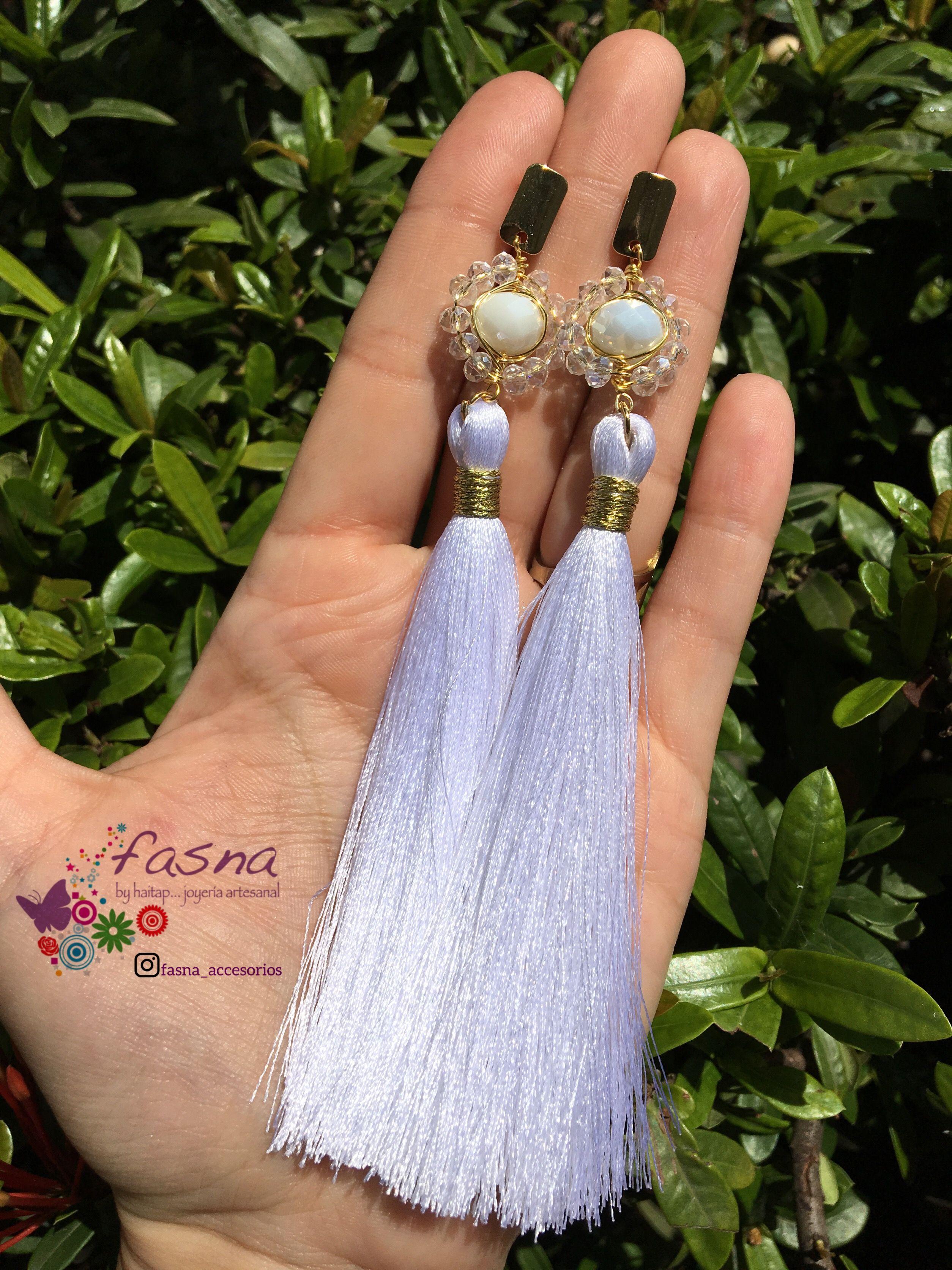 8b34cb940889 Maxi Zarcillos con cristales y borlas largos