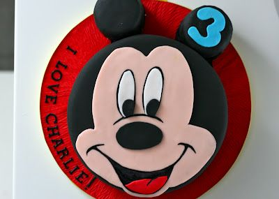 Milli's kitchen: Mickey Mouse Cake