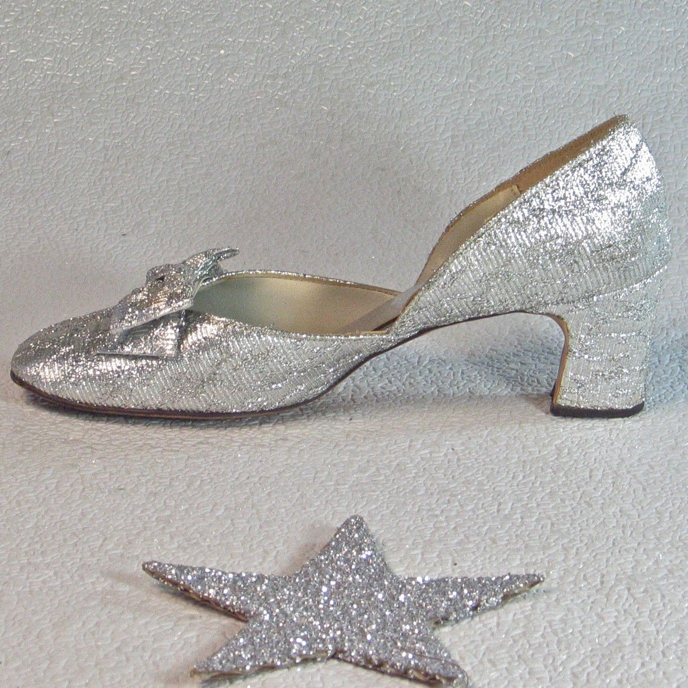 Bridal Shoes Wide Feet: Vintage Shoes Silver 1960's Debutante Shoes Silver Bows