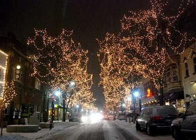 downtown naperville lights up for the holidays